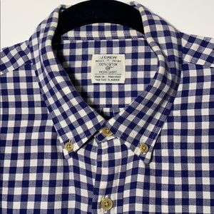 J.Crew Men's button down navy check flannel shirt